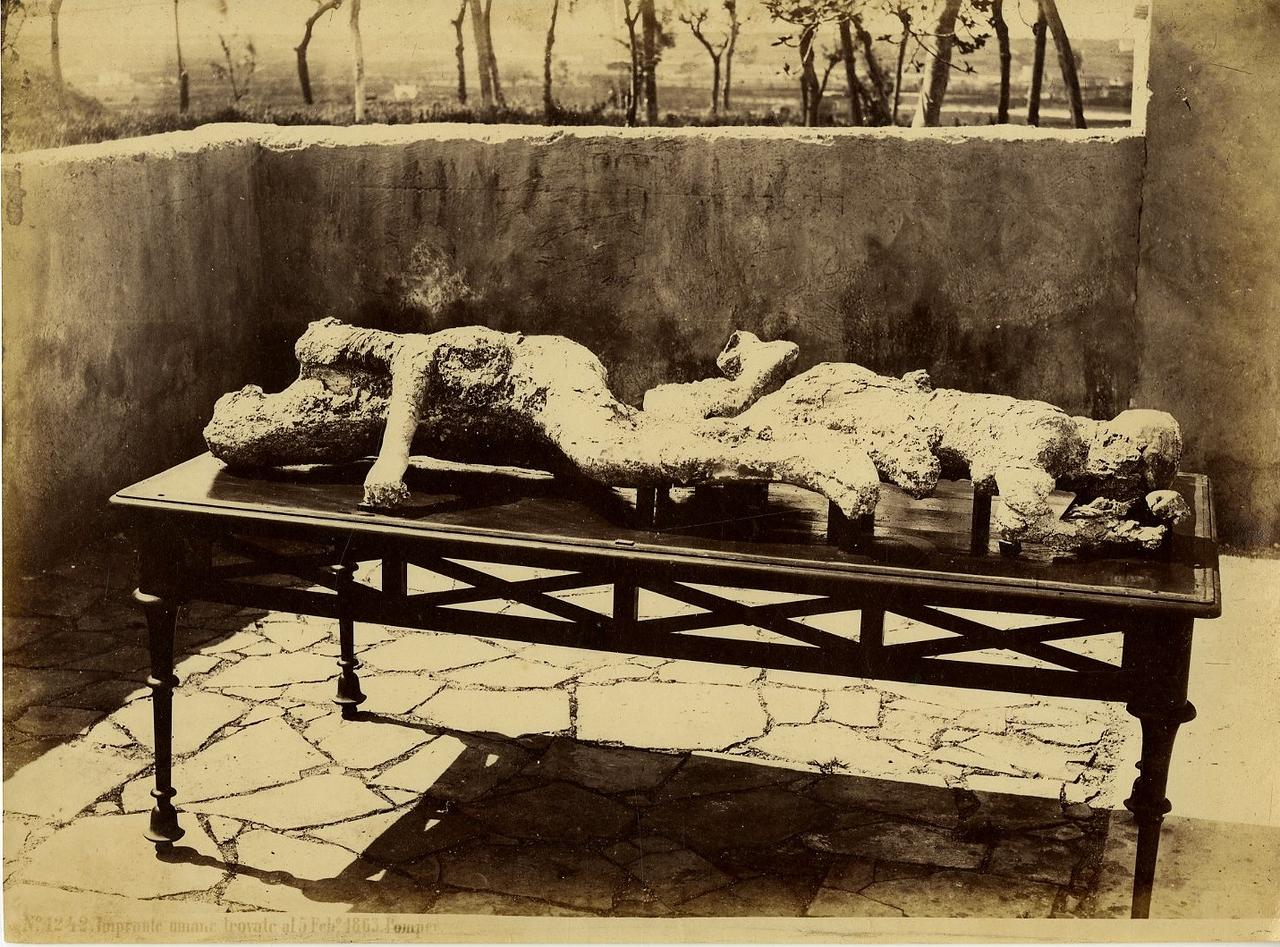 1875. Останки жителей Помпей, найденные в 1863 году