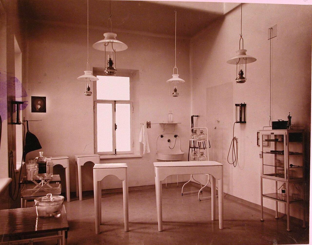 07. Вид части операционный в хирургической больнице Николаевской общины сестер милосердия