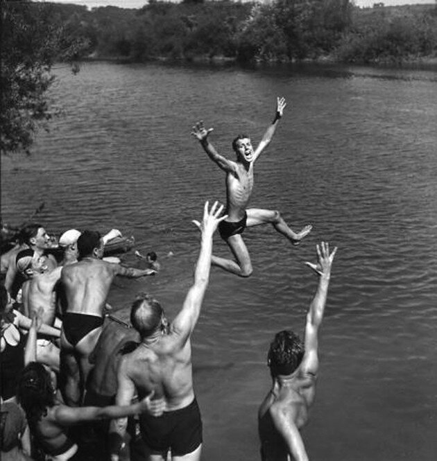 1950. Купальщики на Марне