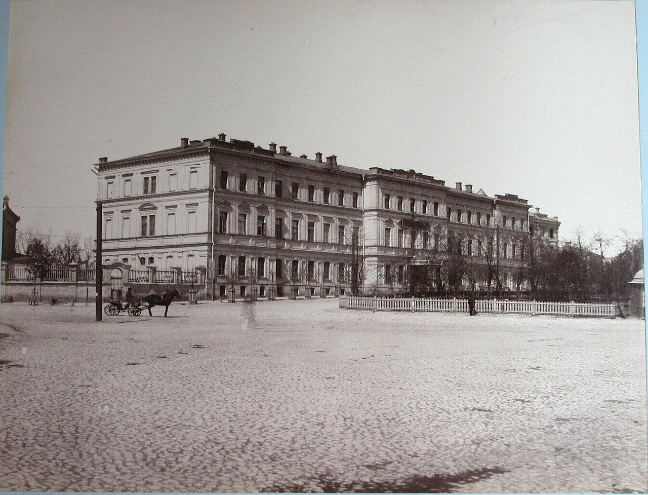 02. Вид фасада здания Киевского реального училища