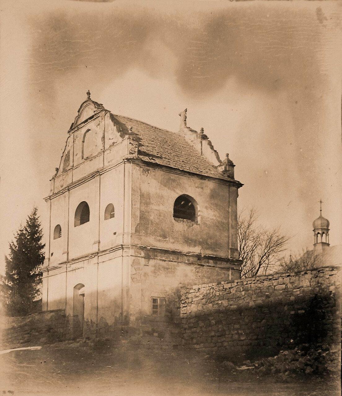 44. Вид звонницы Збаражского Бернардинского монастыря. Галиция, Збараж
