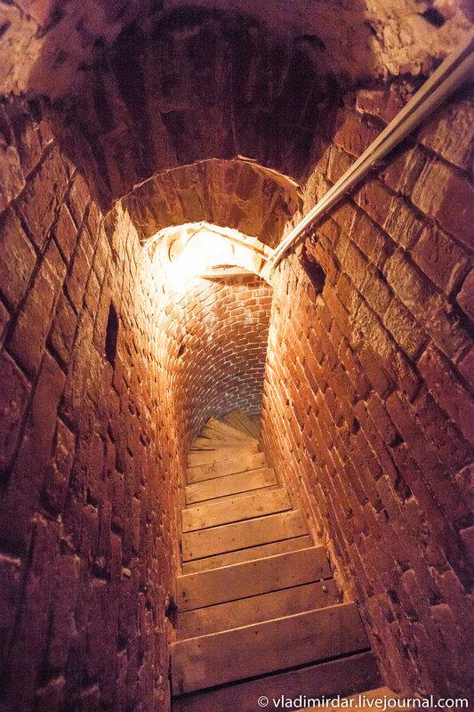 Лестница на колокольню Храма Спаса Преображения в усадьбе Остров