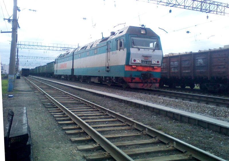 Электровоз 2ЭС6-056 проследует станцию Кунавино