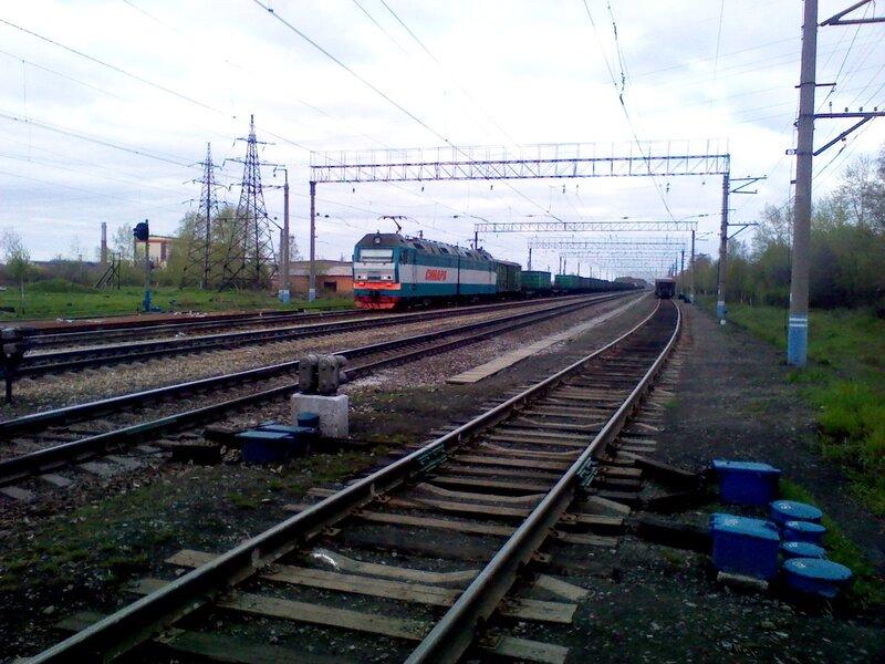 Электровоз 2ЭС6 на станции Кунавино