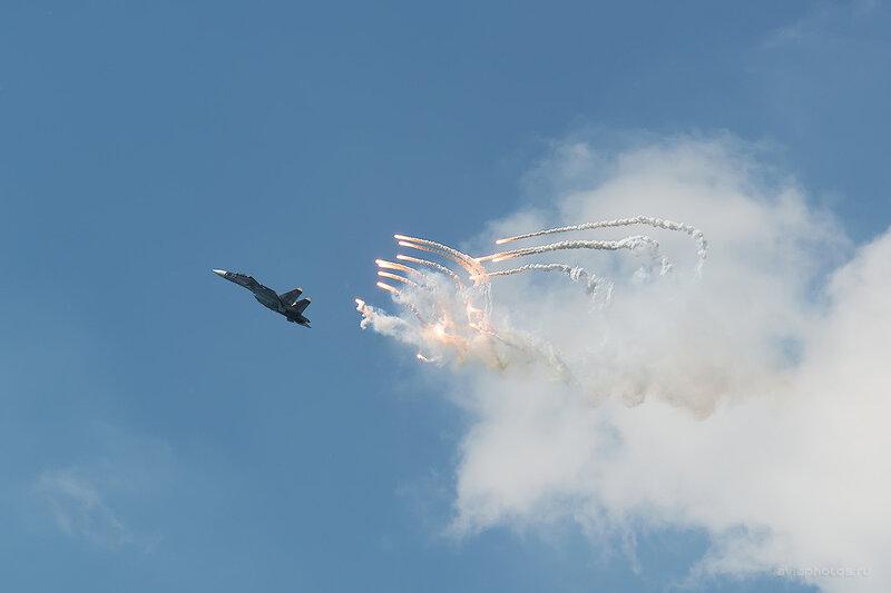Сухой Су-30МК (RF-93667 / 57 синий) D805676a