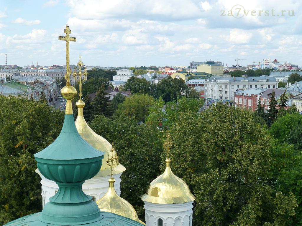 Вид на Ярославль со звонницы Кремля