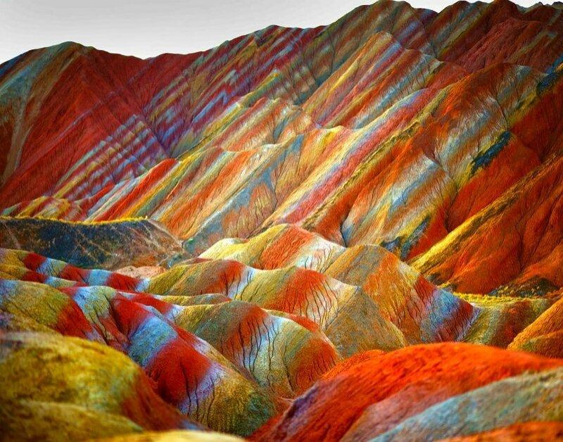 Разноцветные горы Данься в Китае (фото)