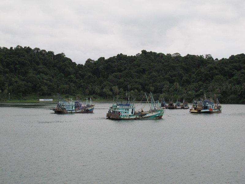 рыбачьи лодки.jpg