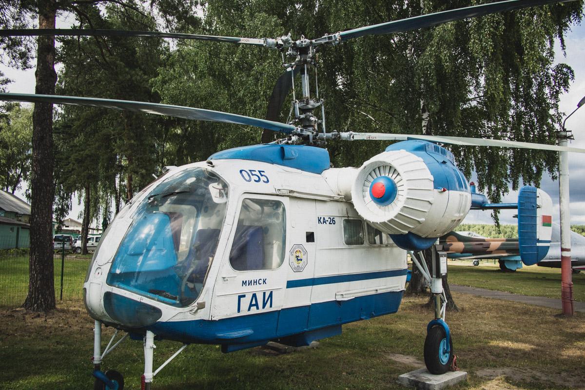 Многоцелевой вертолет Ка-26, разработан в 60-е. Производился в следующих вариантах: сельскохозяйстве