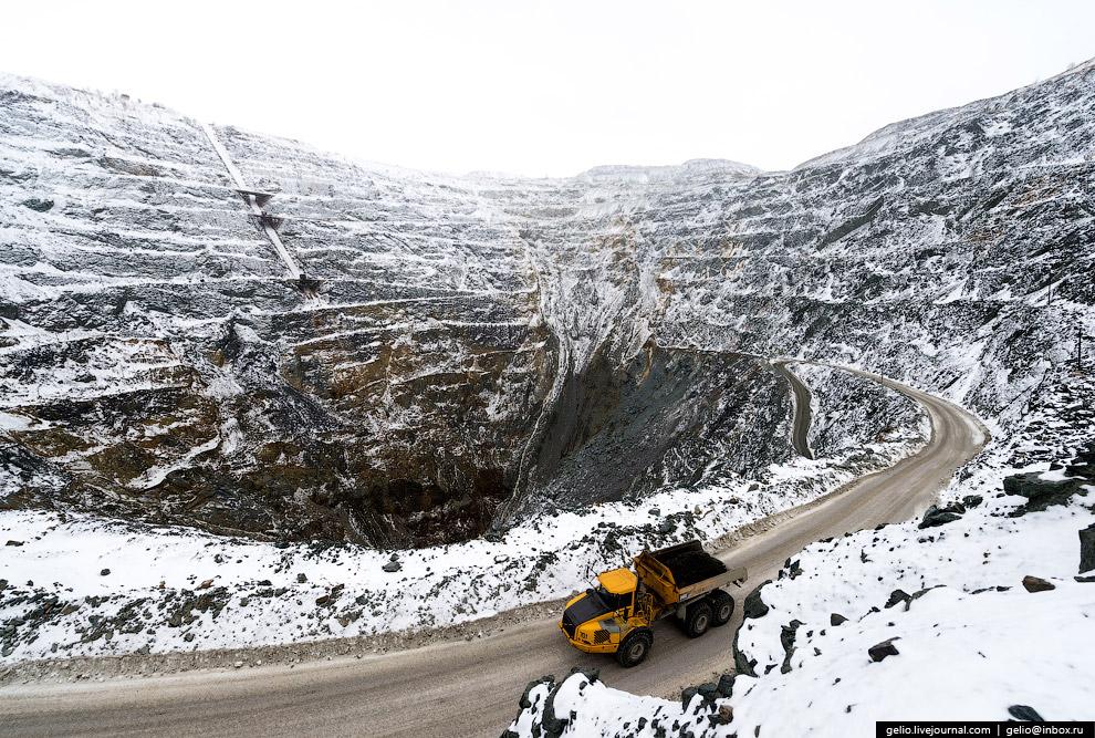 15. Сейчас основная добыча ведется шахтным способом.