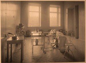 Вид части операционной госпиталя.