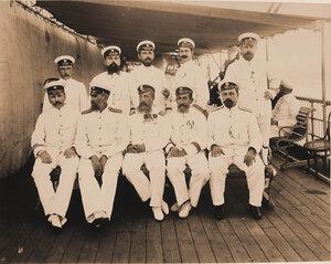 Группа командиров и офицеров плавучего госпиталя Орёл