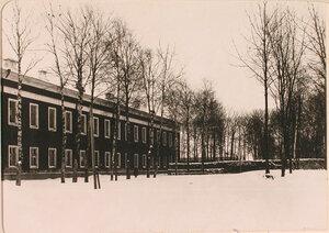Общий вид здания казарм 93 Иркутского Его императорского высочества великого князя Михаила Александровича полка.