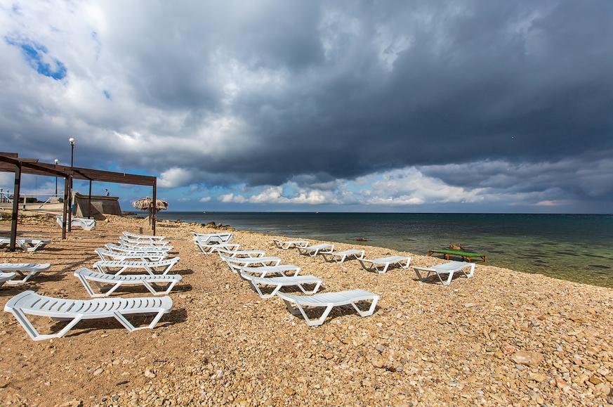 К приему туристов в Крыму подготовились 152 отеля и санатория