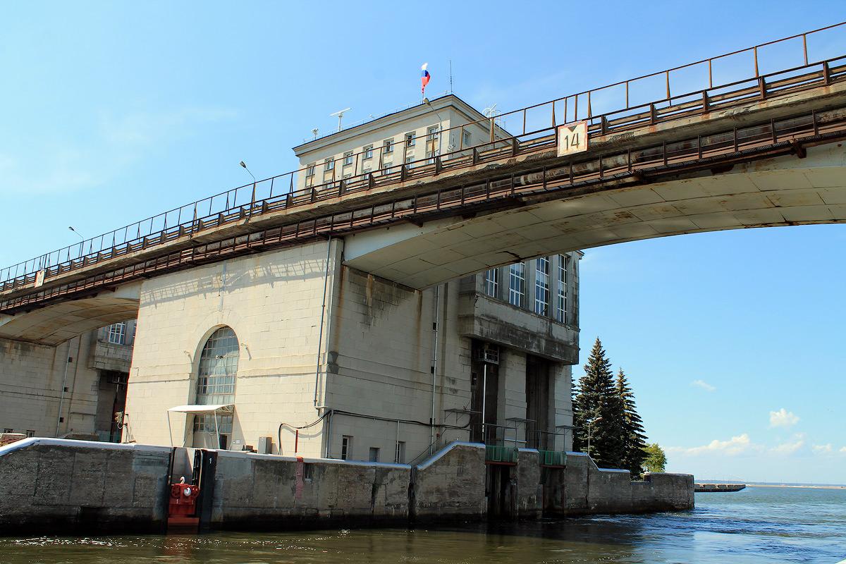 Прохождение судов через Нижегородские шлюзы