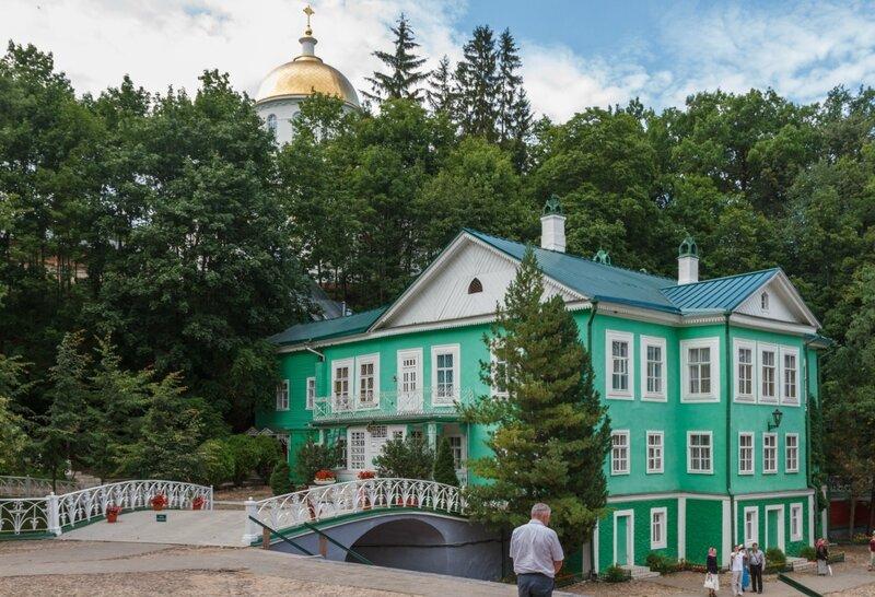 Дом наместника монастыря, Псково-Печерский монастырь