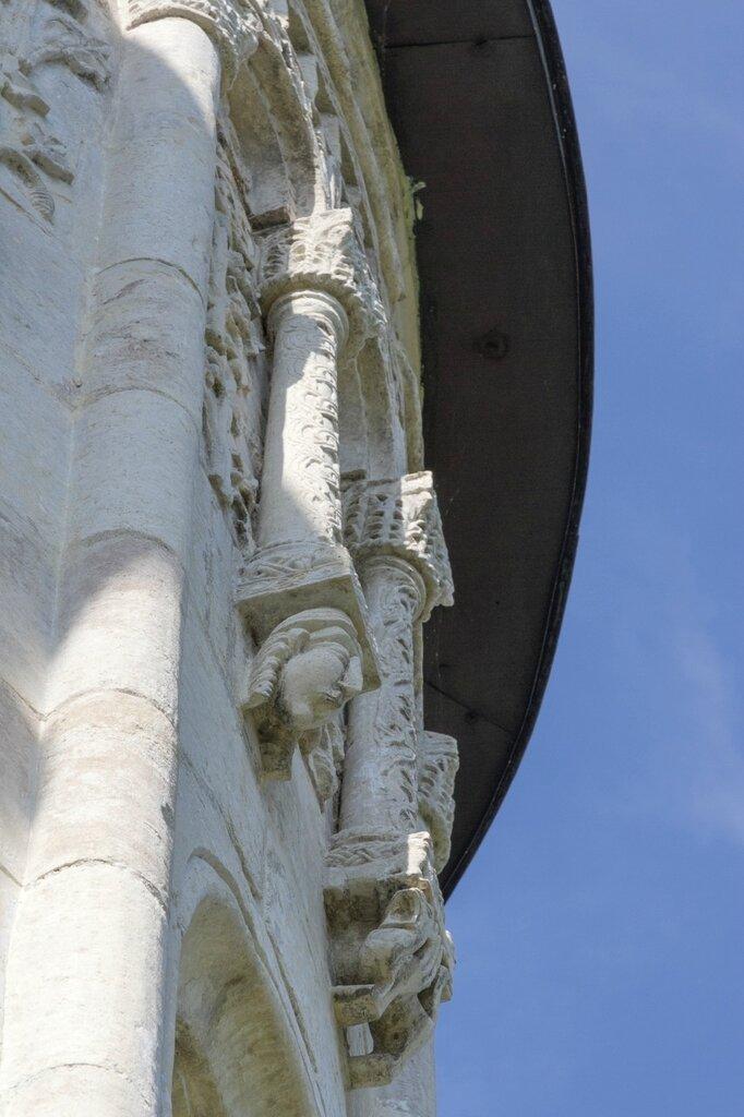 Дмитриевский собор, деталь