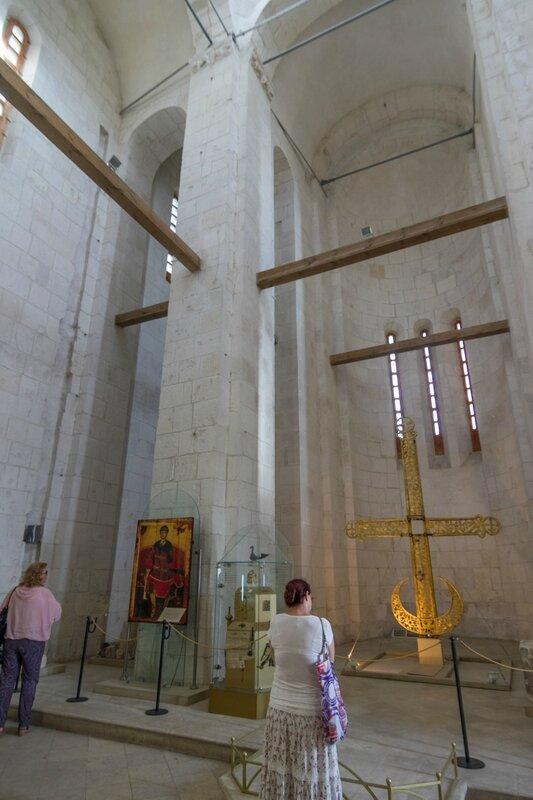 Убранство Дмитриевского собора