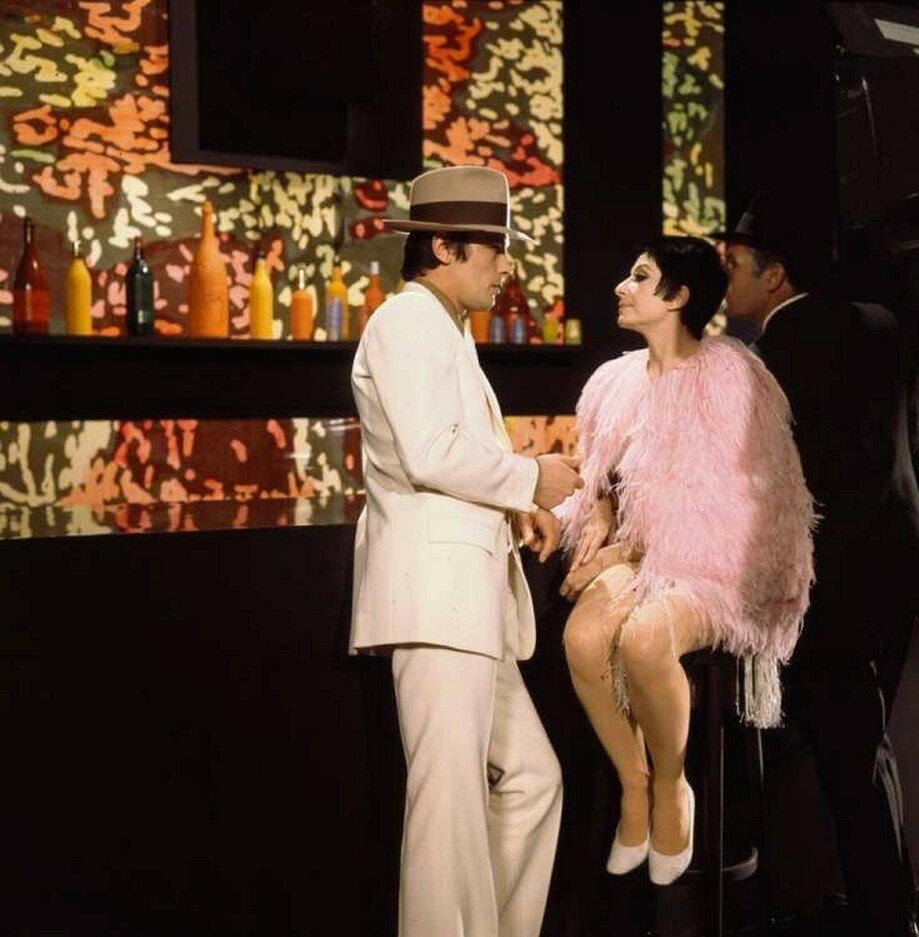1969. С Зизи Жанмер на съемках «Зизи Пети Шоу»