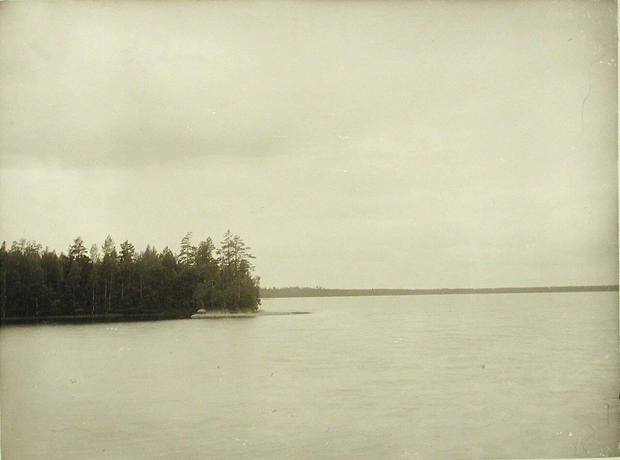 08. Вид части озера Красавица