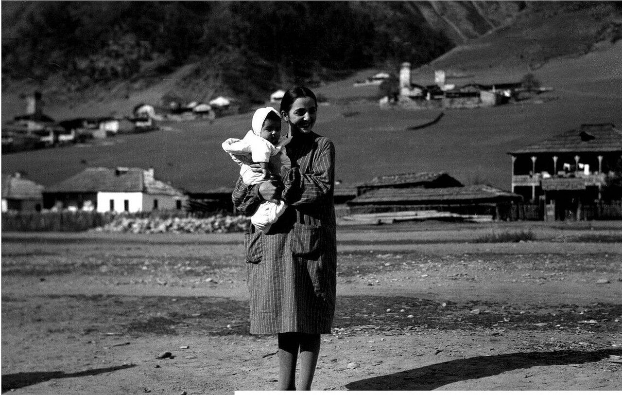 Сванетка с ребенком