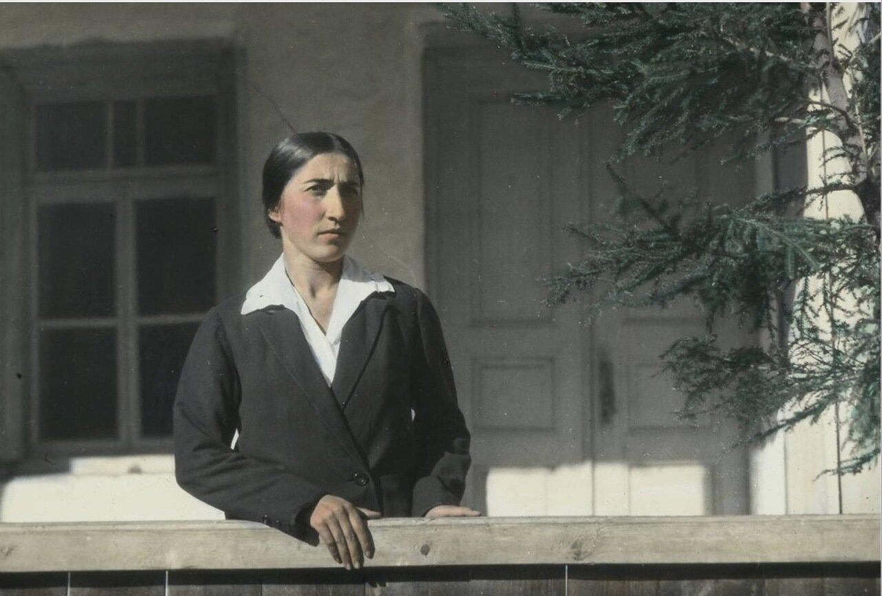 Женщина из семьи Джапаридзе в Местиа