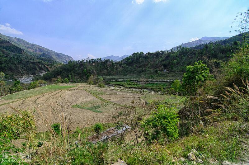 Вид по дороге близ Бесисахара