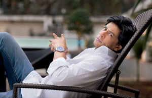 tag-heuer-shah-rukh-khan-aquaracer-steel-and-gold.jpg