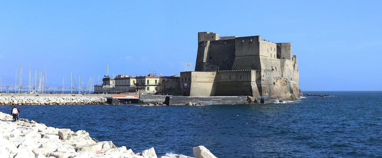 Naples. The Partenope Promenade (Via Partenope)