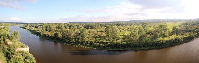 Панорама старицы Вятки из башни заброшенного элеватора хлебоприёмного предприятия в пос. Медведок