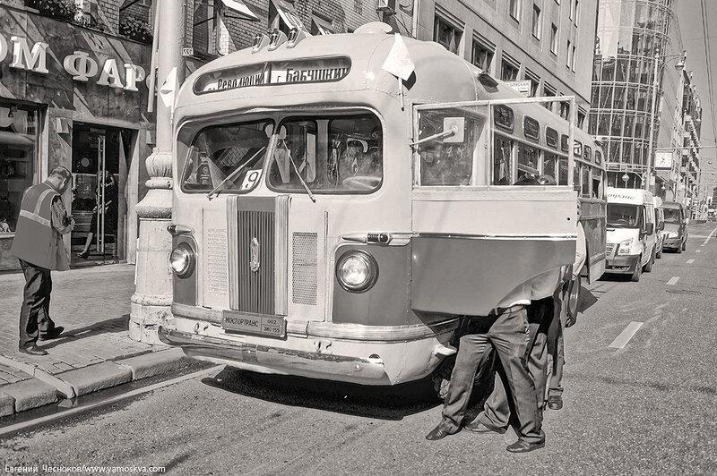Лето. Парад ретроавтобусов. 09.08.14.25с..jpg