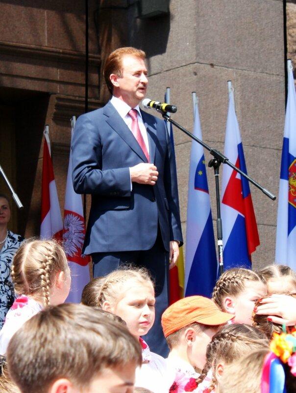 Киевский градоначальник Попов открывает День Европы 2013