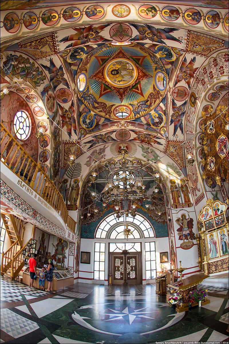Церковь-маяк в Малореченском