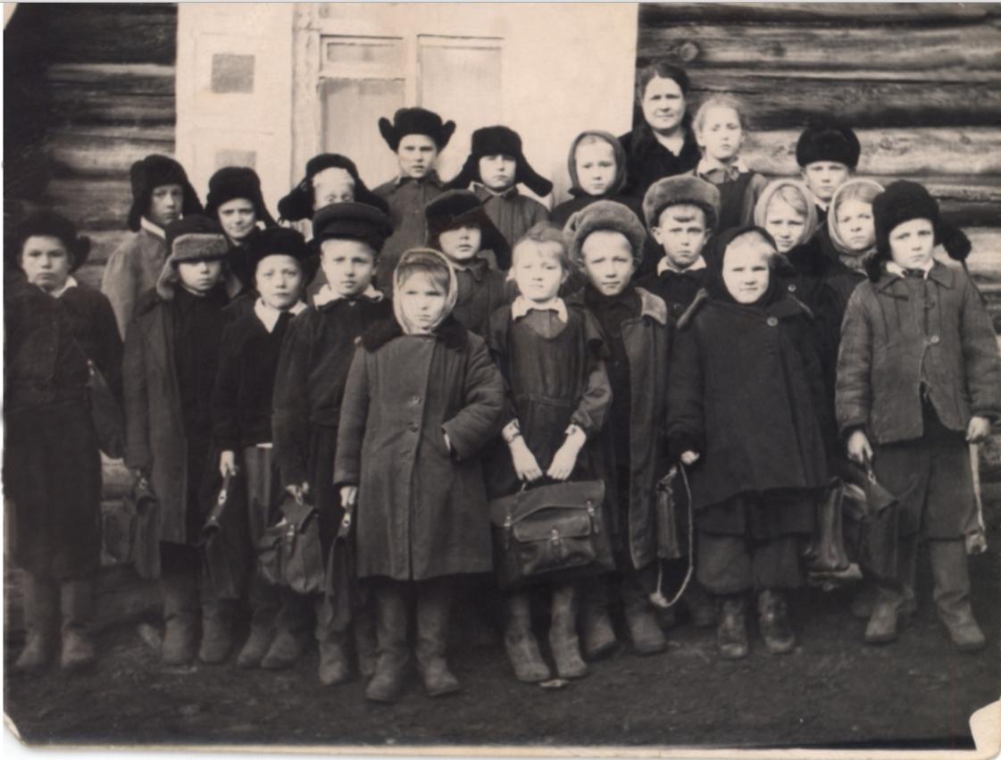 Сельские школьники. Петропавловка (Рыбальское)