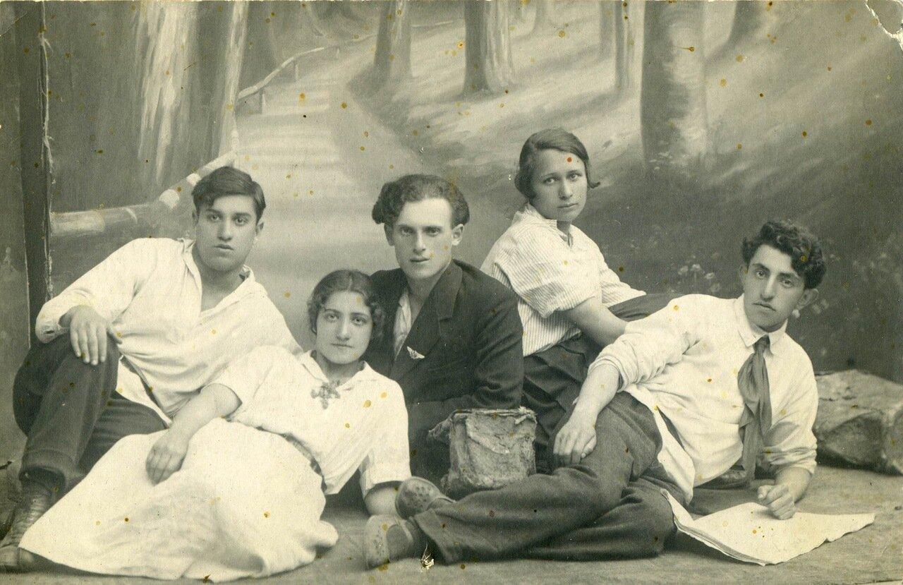 1924, товарищи