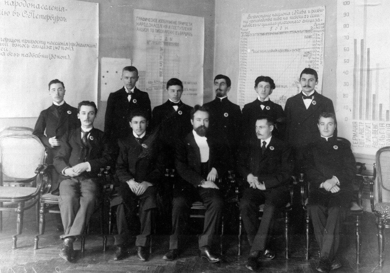 05. Группа преподавателей училища