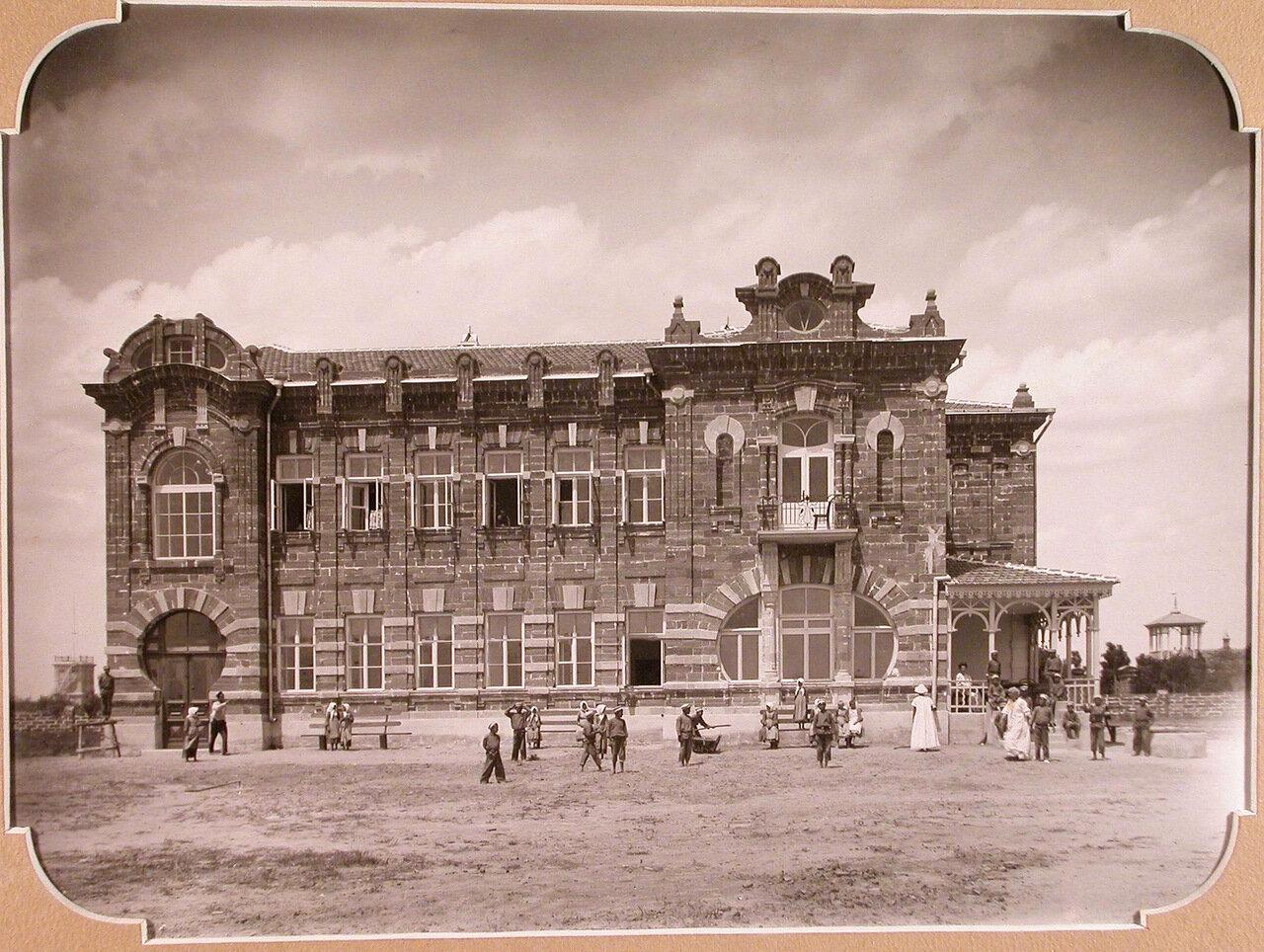 04. Вид здания школы с южной стороны