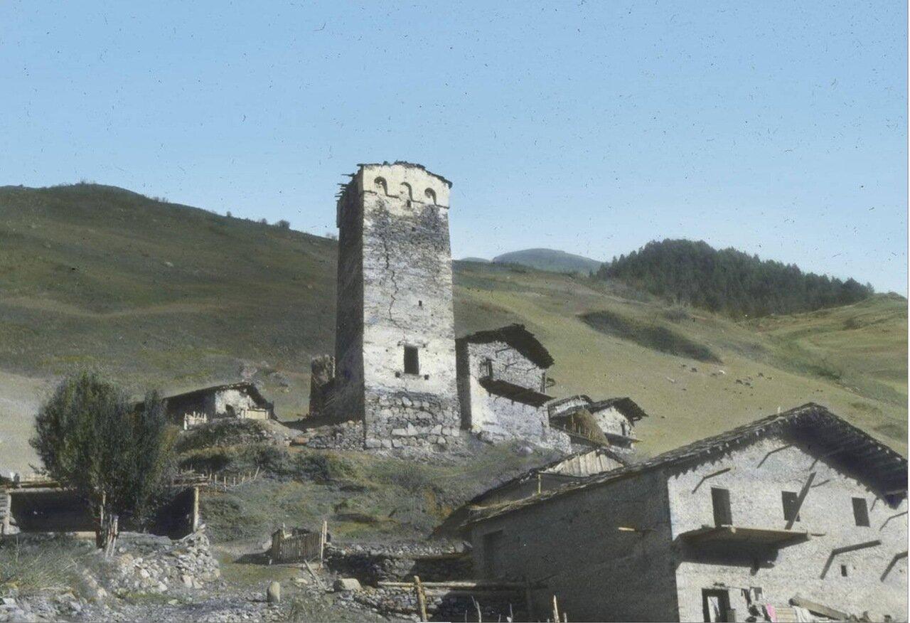 Традиционная башня в селе Кали