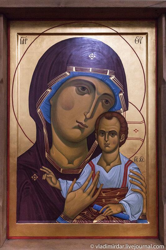 Икона Богородицы в храме Преображения в селе Остров