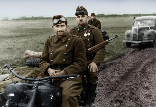 Hungarian soldiers with Bmw motorbike on font.jpg