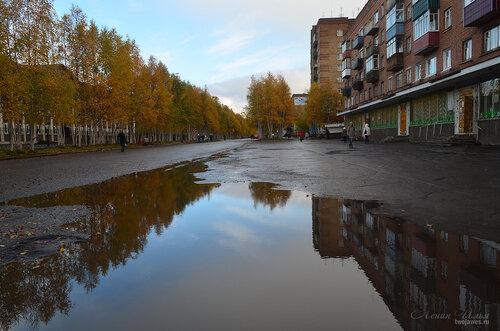Фото города Инта №7222  Горького 8 (школа №9), 11 (магазин