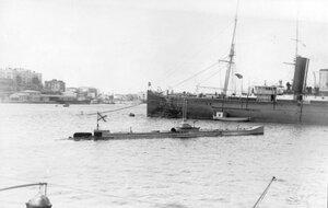 Подводная лодка Камбала в Южной бухте Севастополя.