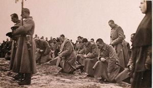 Молебен по случаю вручения наград георгиевским кавалерам во время праздника на перевязочно-питательном пункте №18, организованном отрядом Красного Креста В.М.Пуришкевича.