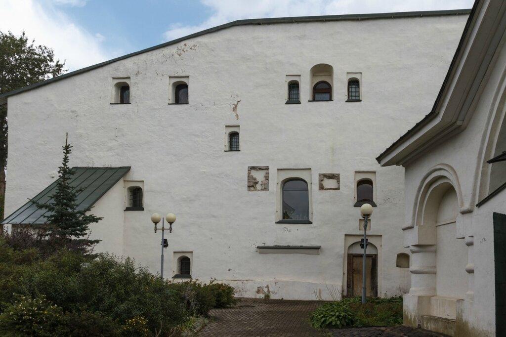 Первые палаты Меньшиковых (1-й дом Сутоцкого), Псков