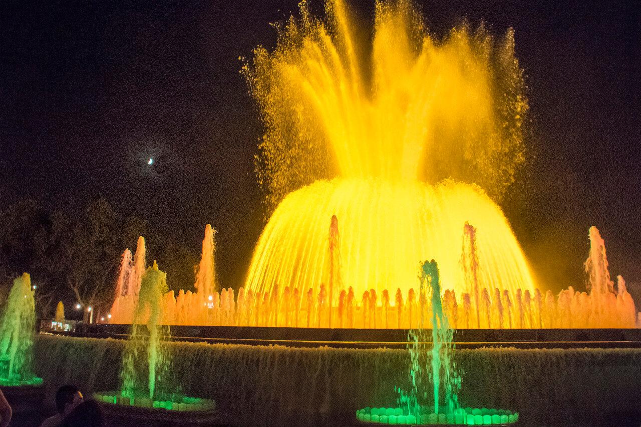 Поющие фонтаны Барселоны. Большой фонтан 3