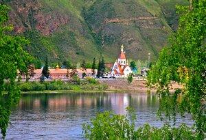 Вид на Свято-Успенский мужской монастырь