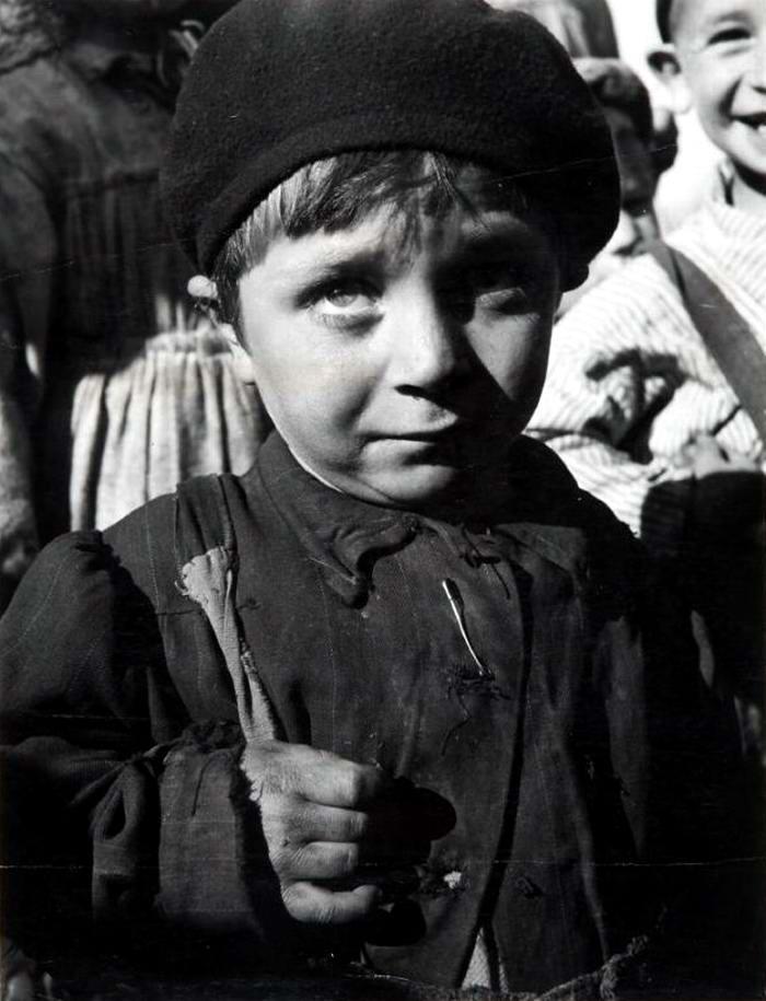 Италия, Неаполь, 1948 год - Сирота