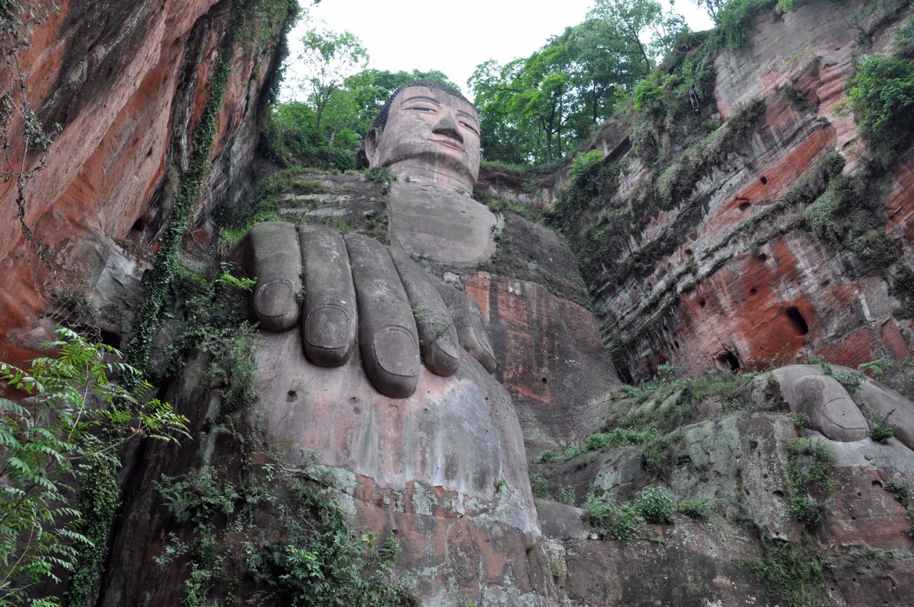 Лешаньский Будда. Поможет ли ЮНЕСКО, случись чего?