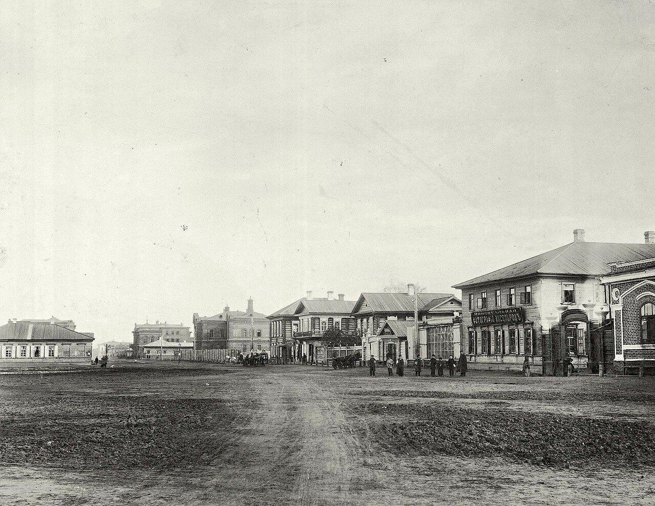 Перспектива юго-восточного участка Новобазарной площади (между переулками Садовым и Падалкиным, у горизонта - Театральным)
