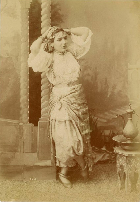 1875. Алжирка.